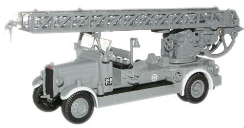 Leeyland fire engine